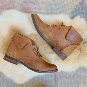 Like New! Steve Madden Lace Up Leather Booties!